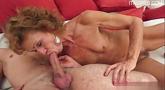 Horny lady extreme anal